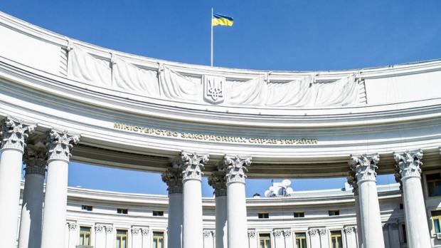 МЗС України назвало провокацією військові паради в Криму