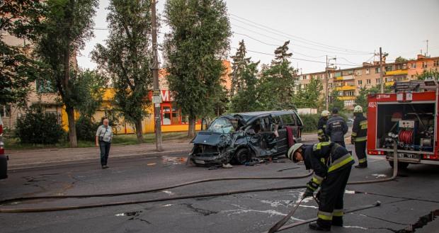 ДТП на Слобожанському: загинули чоловік та підліток