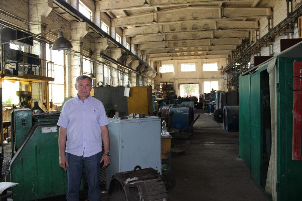 «Думали у липні зупинятися»: як дніпровські ремонтники електродвигунів переживають коронакризу