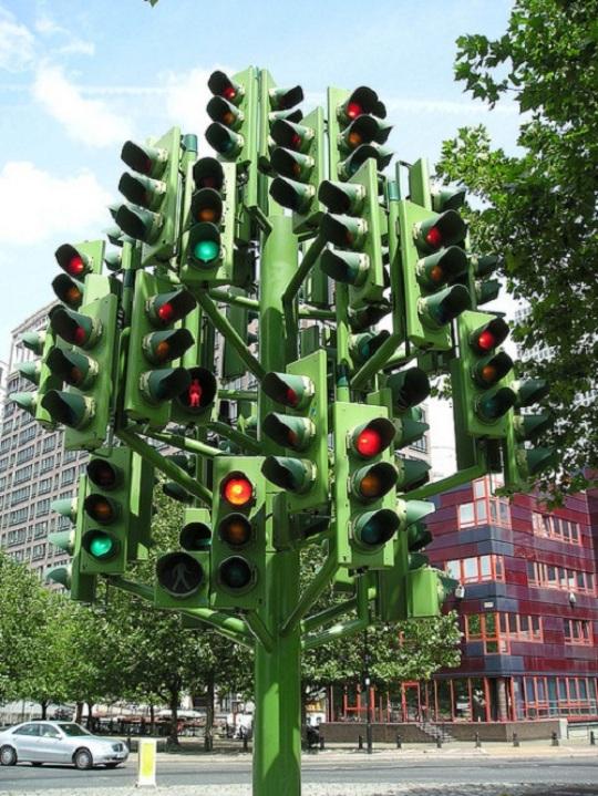Часть днепропетровских перекрестков останется без светофоров
