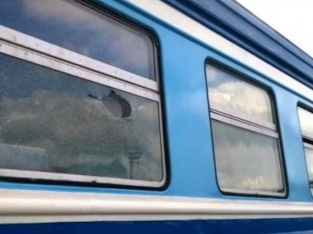 На Днепропетровщине пассажирка электрички чуть не лишилась зрения