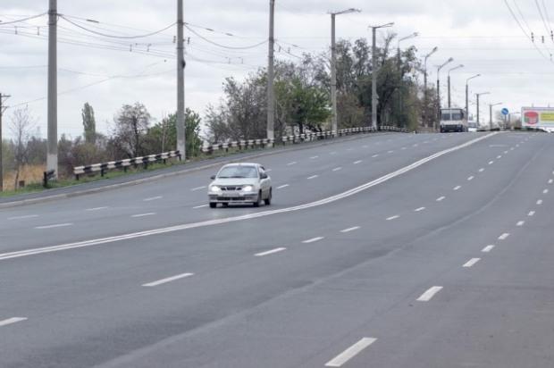 Новый асфальт уложили на двух улицах Кривого Рога