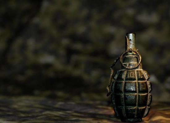 Пьяный днепропетровец напугал харьковского кассира гранатой
