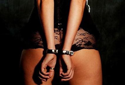 Прокуратура: 23-летняя днепропетровчанка организовала сеть борделей в Индии