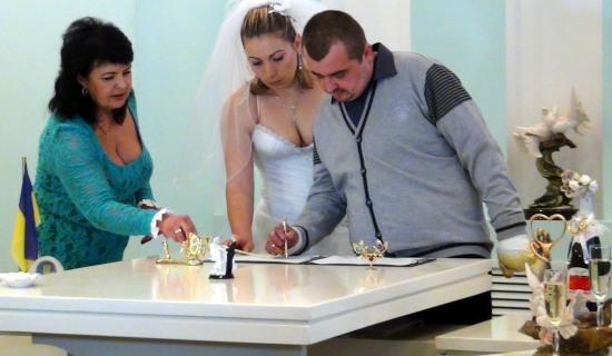 Герой, выживший после обстрела российских ГРАДов, женился