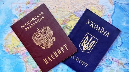 Янукович, Азаров и Пшонка стали россиянами