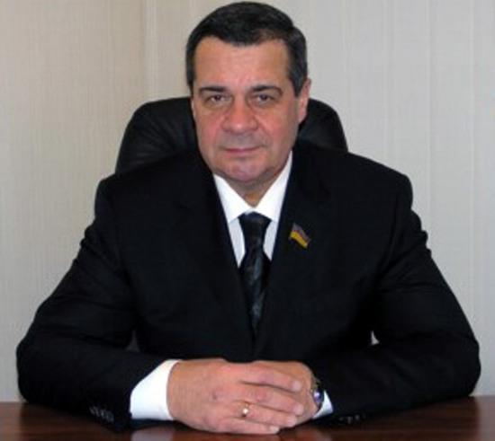 Экс-глава Кировоградщины «по-мелкому» отремонтирует дорогу в селе на Днепропетровщине за 784 тыс.