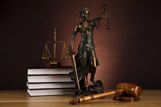 Порошенко назначил 12 судей на Днепропетровщине