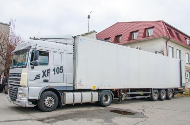 США передала больницам Днепропетровской области очередной груз гуманитарной помощи