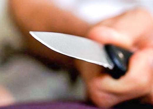 В Кривом Роге иностранец нанес местному жителю ножевые ранения
