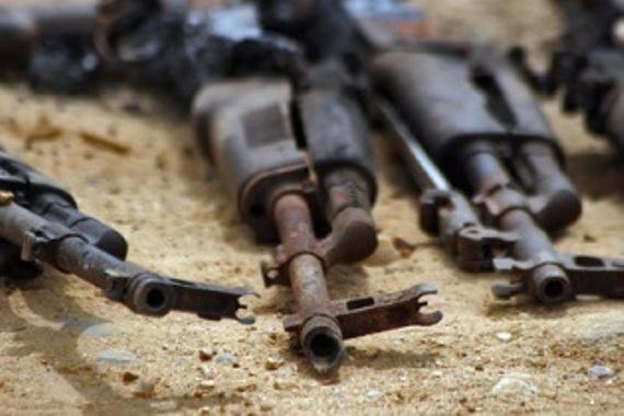 Водителя автомобиля с гранатами и автоматами взяли под стражу