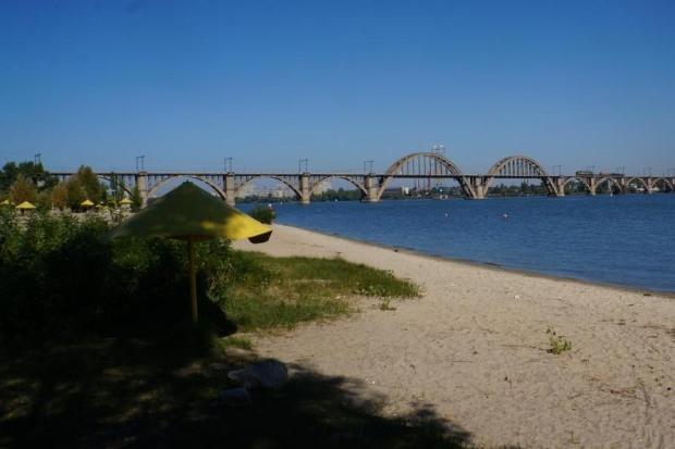 Днепропетровцам готовят к лету три пляжа