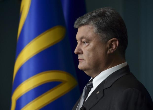 Фирмы Порошенко получили бюджетные миллионы за шоколад, ремонт фрегата и страхование «оборонки»