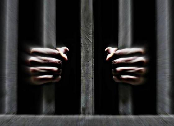 Мужчина «заказал» свою жену трем убийцам