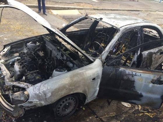 На сгоревшем автомобиле ездил Андрей Денисенко