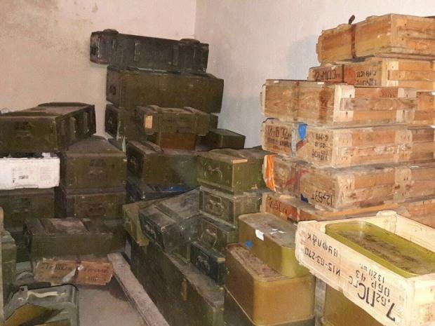 На базе «Днепра-1» обнаружили арсенал незаконного оружия