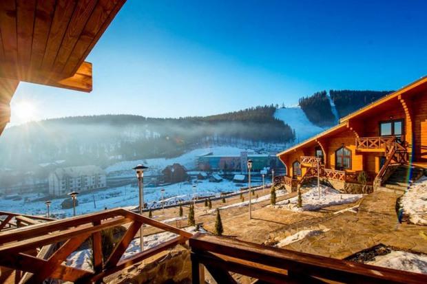 Жители Днепра могут забронировать 268 отелей в Украине со скидками