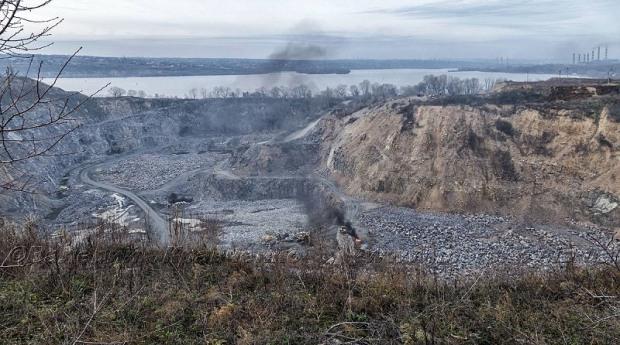 «Любимовский карьер» портит воды Днепра и мешает спать горожанам
