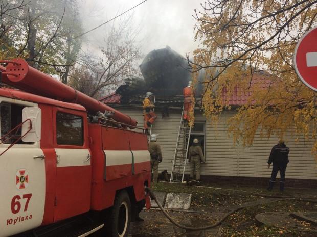На Днепропетровщине пожар возник в здании поселкового совета