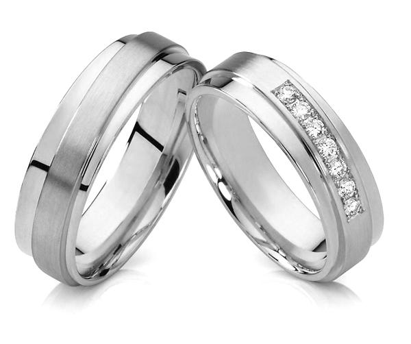 Белое золото – для свадебных атрибутов: почему так популярны обручальные кольца с «лунным» блеском