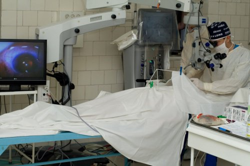 Для офтальмологической больницы купили 2 микроскопа за 6,5 млн гривен