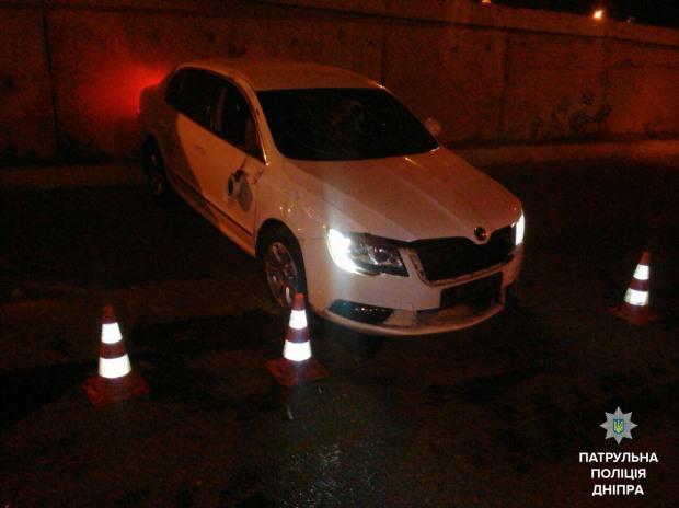 В Днепре нетрезвый водитель врезался в бетонную конструкцию
