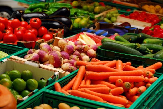 Продовольчі ринки у Дніпрі працюють за виконання деяких умов