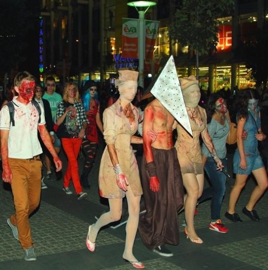 В центре Днепропетровска были замечены десятки «мертвых»