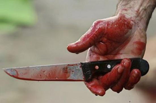 В днепропетровской многоэтажке соседи решали спор ножами