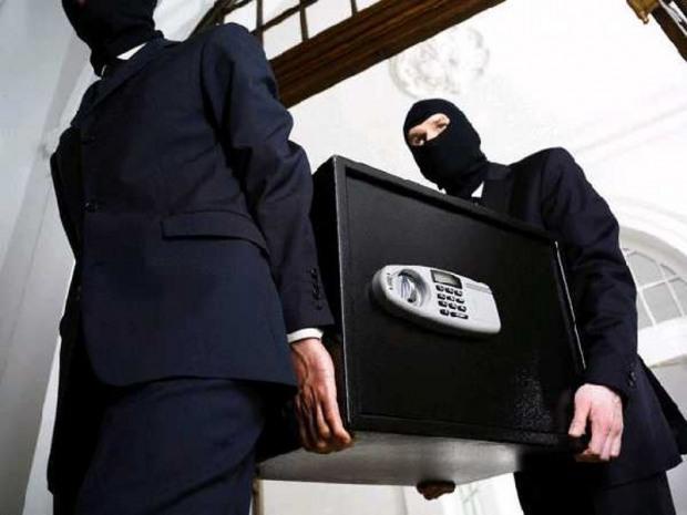 В Днепропетровске полиция охраны поймала вора с сейфом