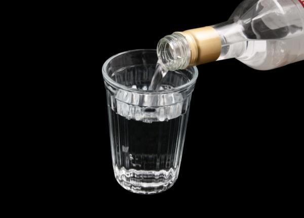 250 литров водочных изделий везли из Курахово в Харьков