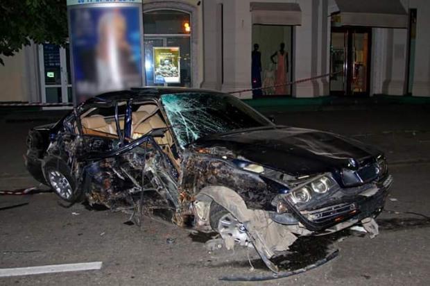 Днепровская полиция разыскивает свидетелей, водителей-беглецов и убийцу