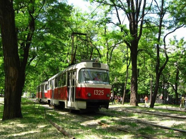 В Днепре центральный трамвайный маршрут разделят на два направления