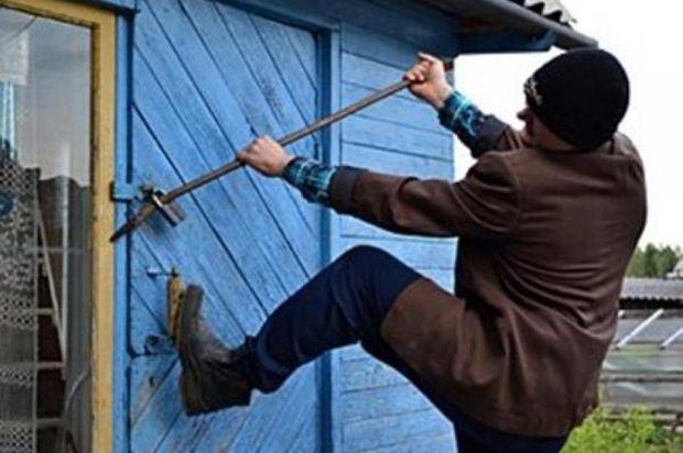 Днепродзержинец ездил на кражу дач, как на работу