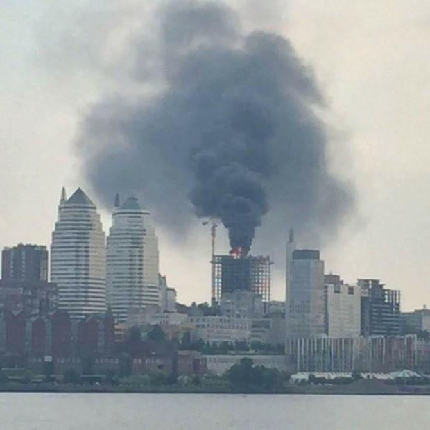 В центре Днепра вспыхнул крупный пожар