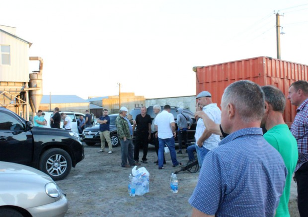 Сергій Рибалка: Радикальна партія вимагає від прокуратури та міліції захистити фермера від рейдерів