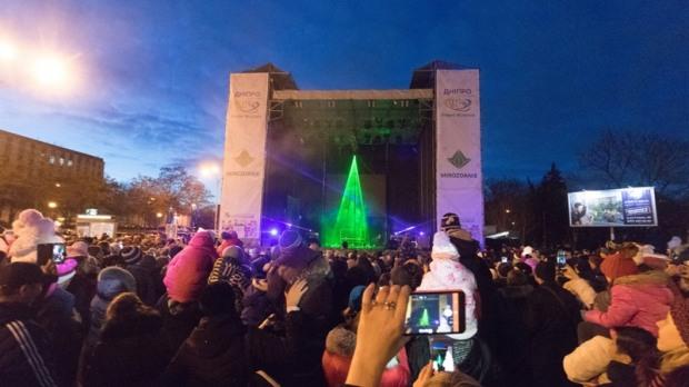 В Днепре впервые  прошло шоу лазерной елки