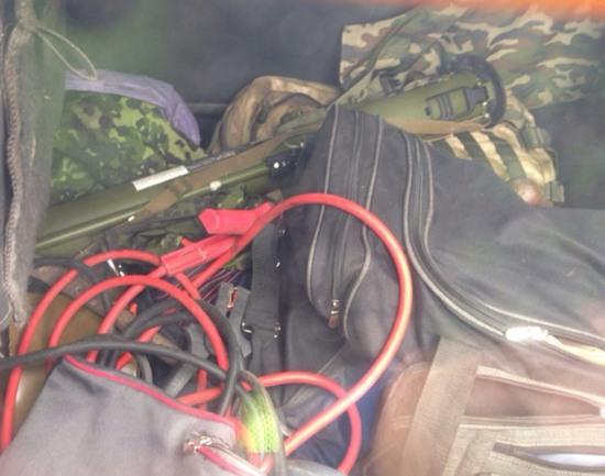 В Днепропетровске сотрудники ГАИ задержали внедорожник с гранатометом