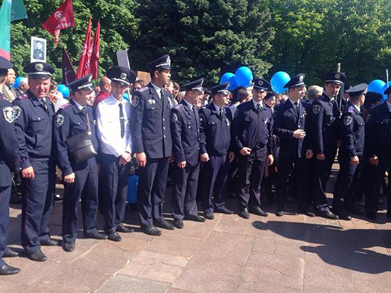 В День Победы в Днепропетровске разоружили 10 человек