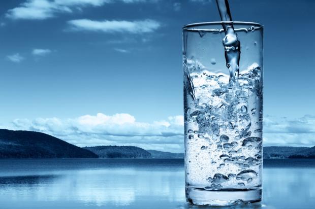 «Живая» и «мертвая» вода или как получить полезную и чистую питьевую воду