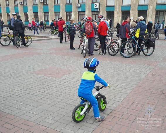 Полиция обеспечила безопасность движения участникам фестиваля «Велодень»