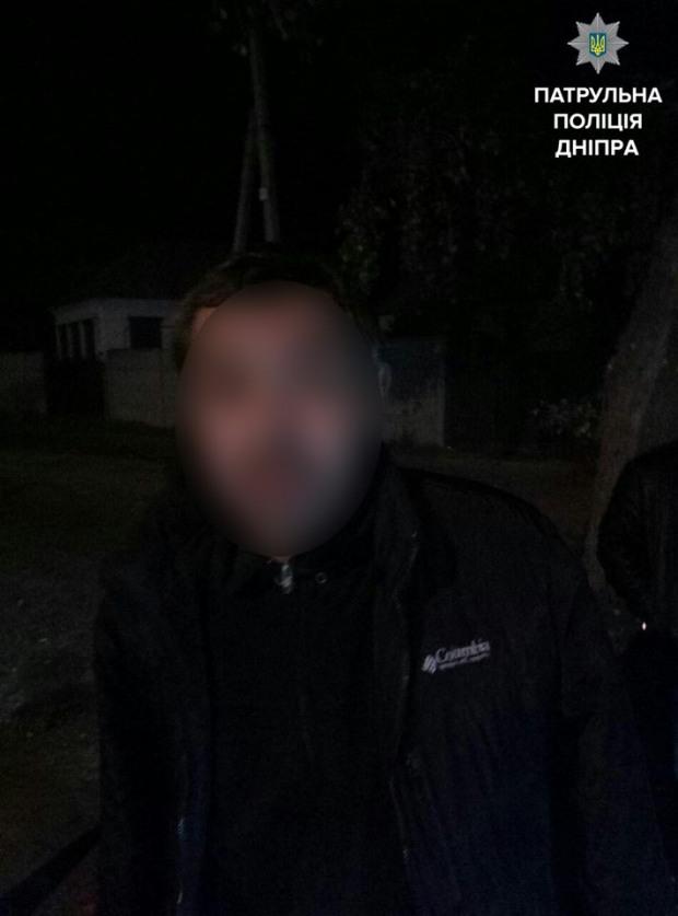 Патрульные оказали помощь мужчине с окровавленным лицом и руками