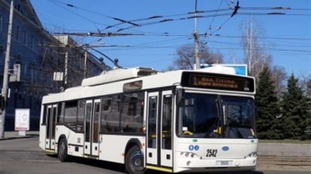 В понедельник несколько троллейбусов на время изменят свой маршрут