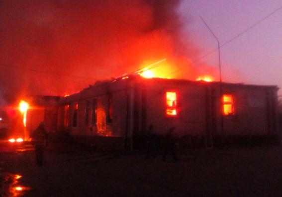В Апостолово сгорело кафе «Пламя»