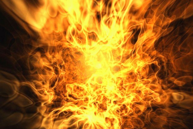 Пожар в торгово-развлекательном центре загнал людей на крышу