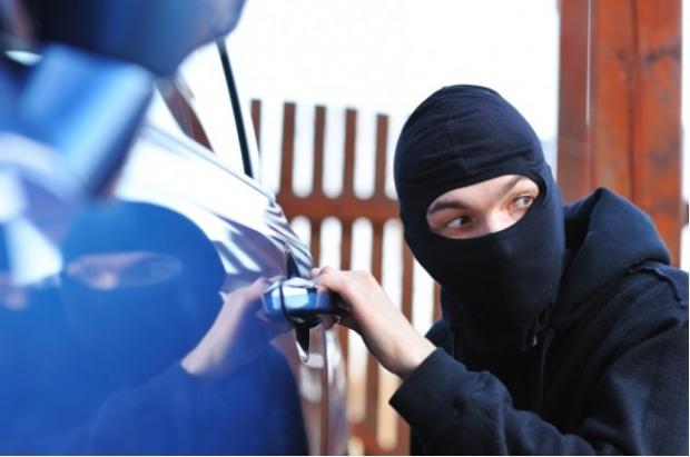 Полиция предостерегла владельцев элитных автомобилей