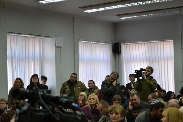 «Мы не планировали их воровать или осваивать…», – в Днепропетровске обсудили «волонтерские» деньги