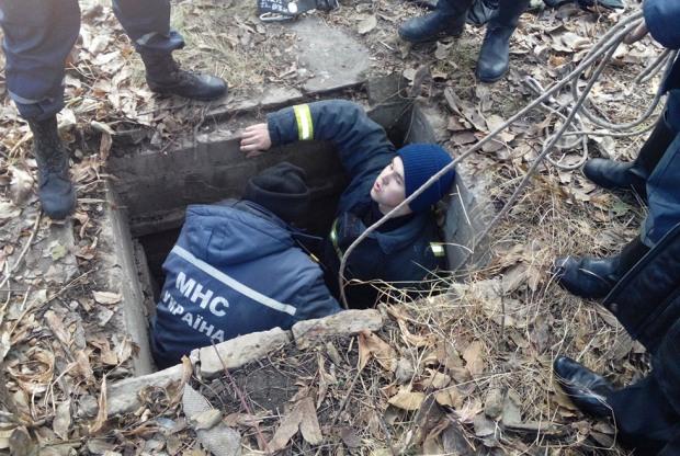 В Желтых Водах пенсионер упал в яму и пробыл там три дня