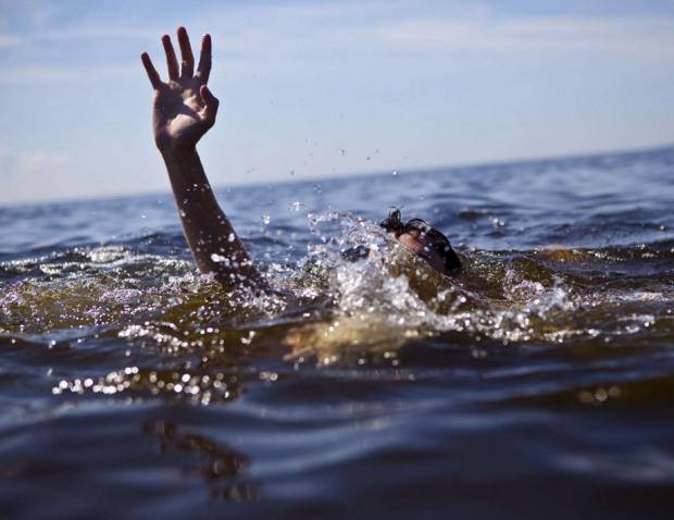 На Днепропетровщине в водоёме нашли труп 30-летнего мужчины