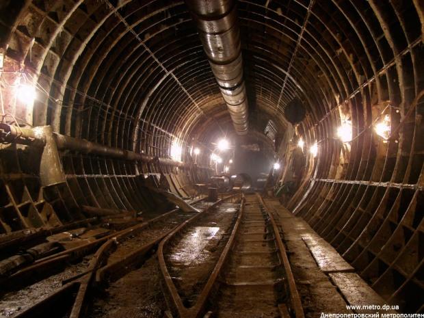 В днепровском метро «спускали» бюджетные миллионы